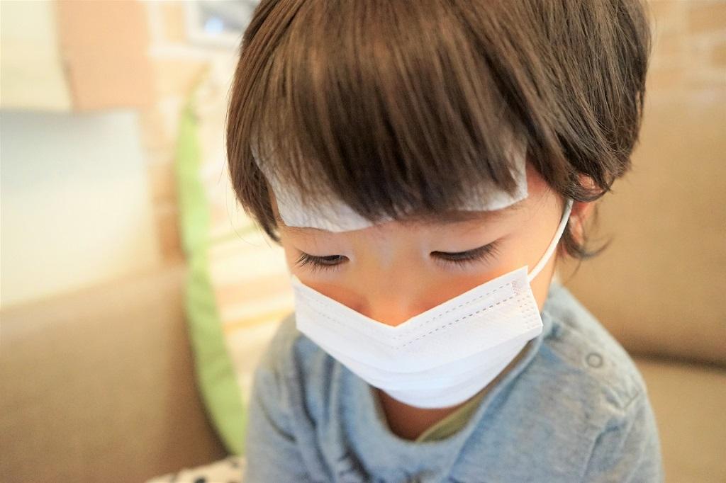 子どもが夜中に発熱!救急にかかったほうが良い…?